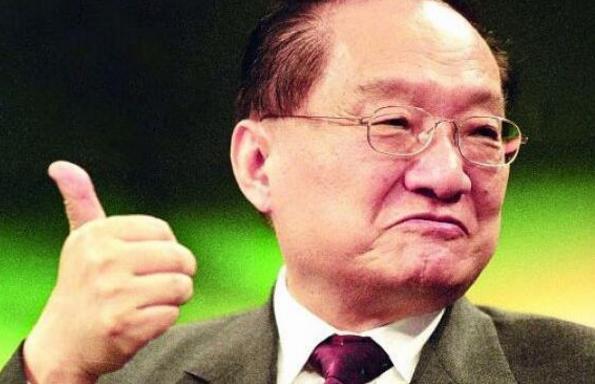 """金庸去世享年94岁 三版""""小龙女""""李若彤刘亦菲陈妍希悼念"""