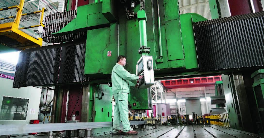 """从""""武状元""""到""""大工匠""""——阚宝春和我国第一台万吨油压机的故事"""