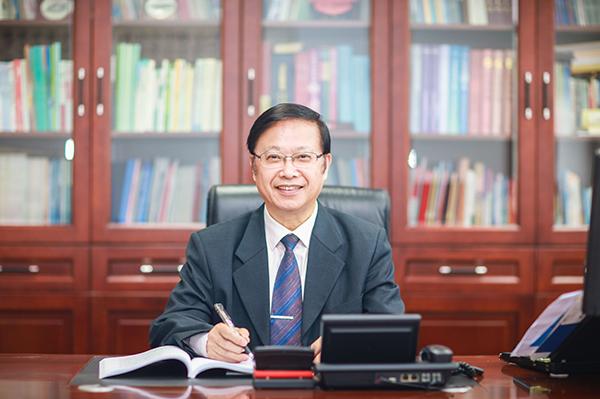 """王小锡:醉心""""道德资本""""研究的学术大家"""