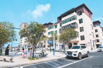 老旧小区改造让城镇居民受益 下一步重点是什么?